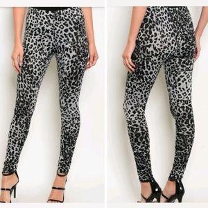 Pants - Cheetah leopard leggings